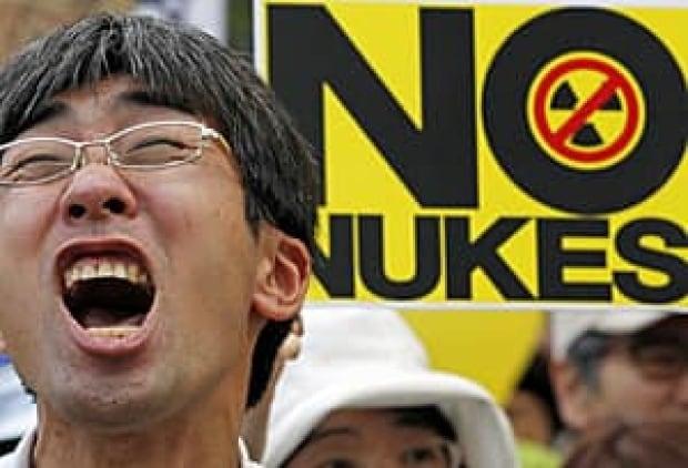 japan-no-nuke-300-rtr2me31