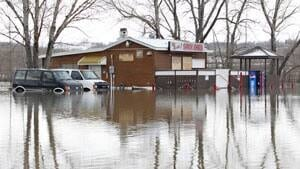 300-flooding-lumsden