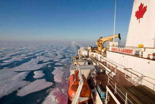 Icebreaker Louis St-Laurent in Northwest Passage