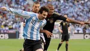 messi-boateng-cp-070203-584