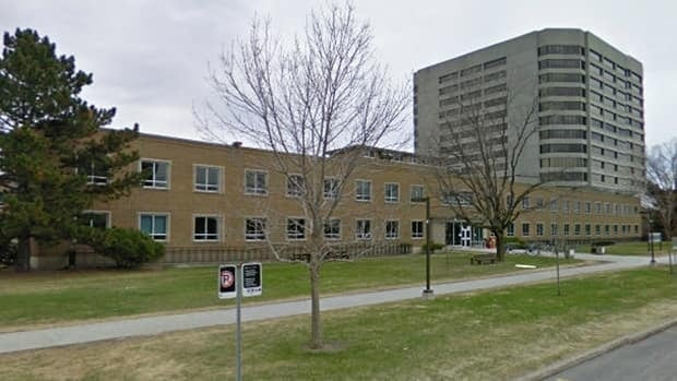 Some Tunney's Pasture government buildings will be vacated by 2015, a PSAC representative tells CBC News.