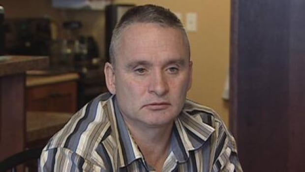 Bill Earle is asking his son, Jason Earle, 18, to please come home. (CBC)