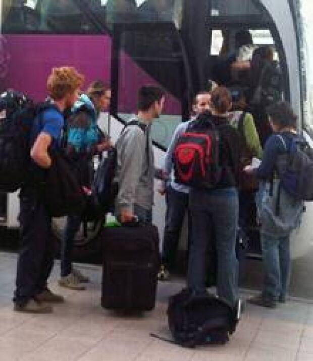 canadian-egypt-bus