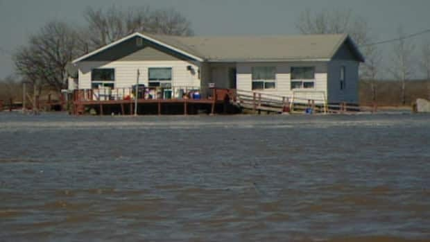 Flooding on Peguis First Nation led to about 600 people leaving under voluntary evacuation as of Thursday.