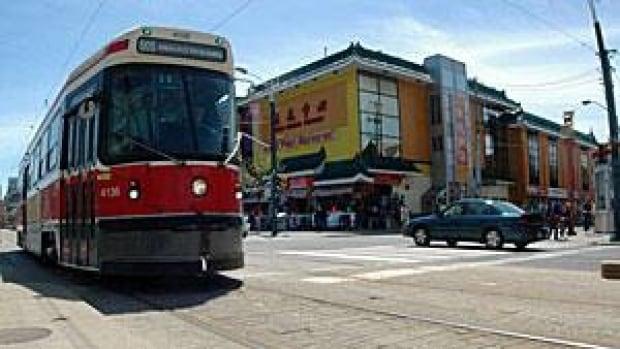 mi-300-ttc-streetcar-lupton