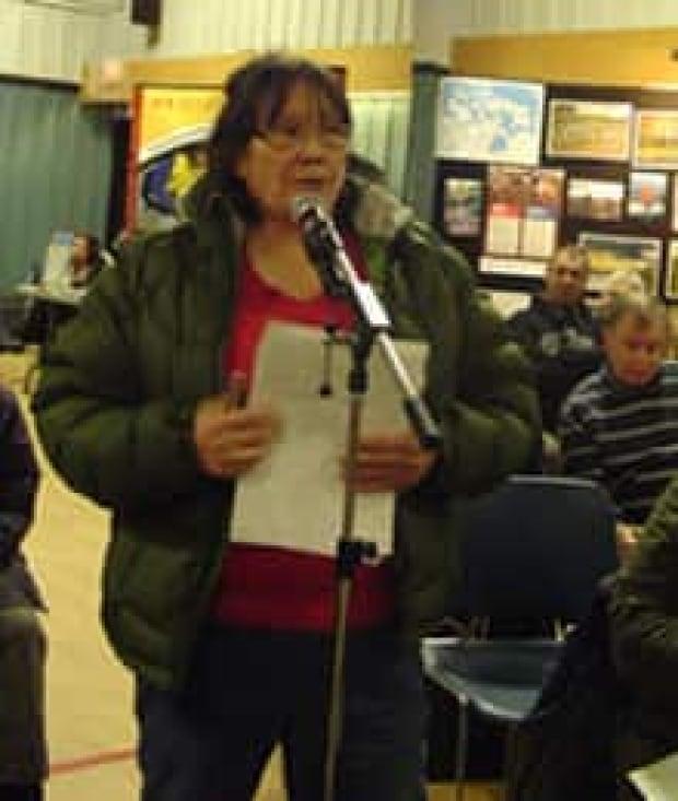 si-joan-scottie-iqaluit-110317