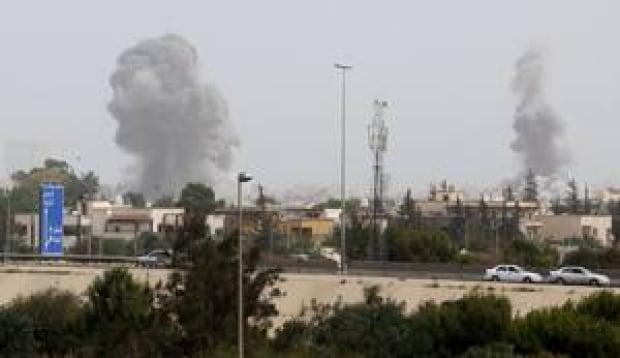 si-libya-airstrikes-300