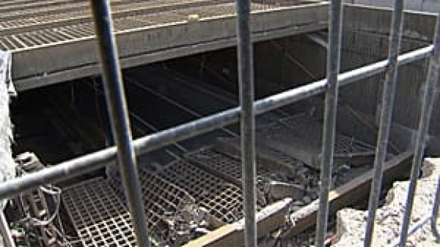300-tunnel-collapse-cbc