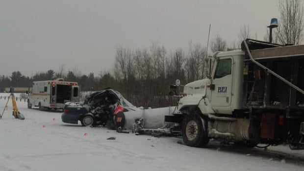 ottawa-renfrew-wide-crash