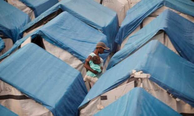 tents-haiti-cp-9503698