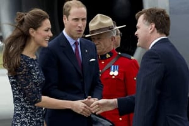 si-will-kate-mountie-cp0091