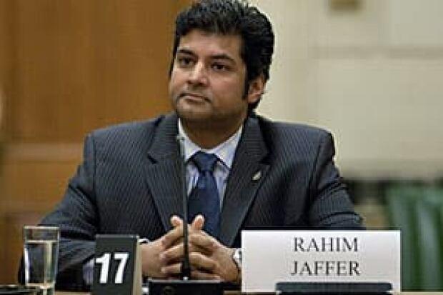 li-jaffer-cp-8885032-300