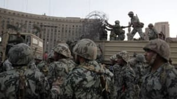 mi-military-square300-rtr2l