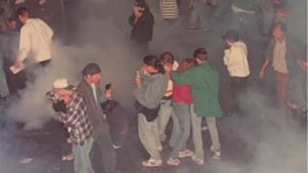 si-vancouver-1994riot-300