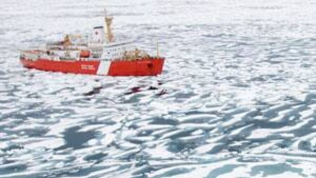The Canadian Coast Guard ship Louis St. Laurent breaks ice near the mouth of Bellot Strait in the Northwest Passage in 2007. The ship has been sitting near Cambridge Bay since Sept. 27 while the crew attempts to repair the ship's centre propeller.(Jonathan Hayward/Canadian Press)