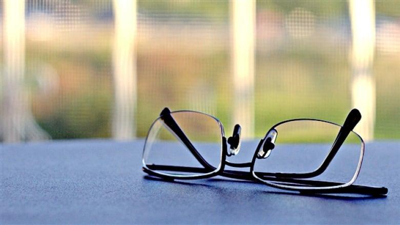 76de1e1adb0 Quebec online glasses retailers want access to Canadian market