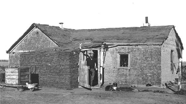 Homesteading in Saskatchewan, around 1905.