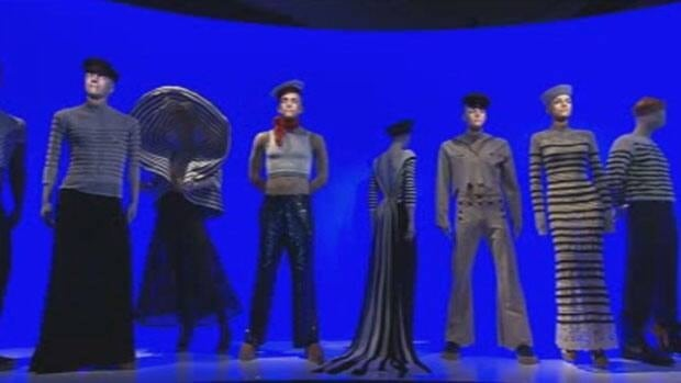 The museum show includes animated mannequins.