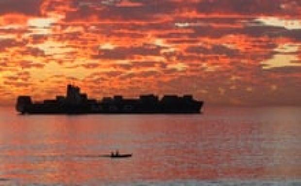 sm-220-ocean-sunset-rtr2lvik