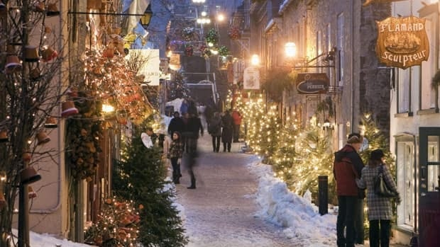 There's lots of advice out there telling you how you can rein in your own holiday spending. Here's a list of top tips. The Quartier Petit Champlain is illuminated with Christmas lights in Quebec City Dec. 22, 2010.