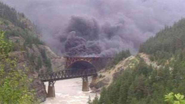 li-bc-110630-lytton-bridge-fire