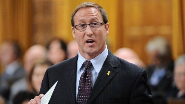 Defence Minister Peter MacKay speaks in the House of Commons on Friday Sept. 23.