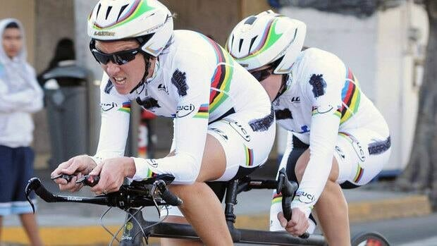 Cyclist Robbi Weldon of Thunder Bay, Ont., and pilot Lyne Bessette of Knowlton, Que., ride to a gold medal in the 21.1-kilometre mixed time trial for athletes with visual impairment on Day 1 of the Parapan American Games in Guadalajara, Mexico.
