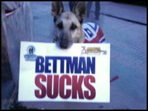 mi-habs-protest-dog
