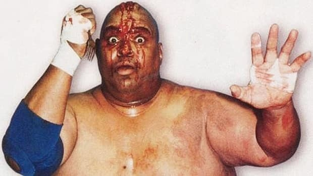 Wrestling legend Abdullah the Butcher has been accused of giving another wrestler hepatitis C during a 2007 match.