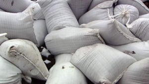 hi-flood-sandbags-110416
