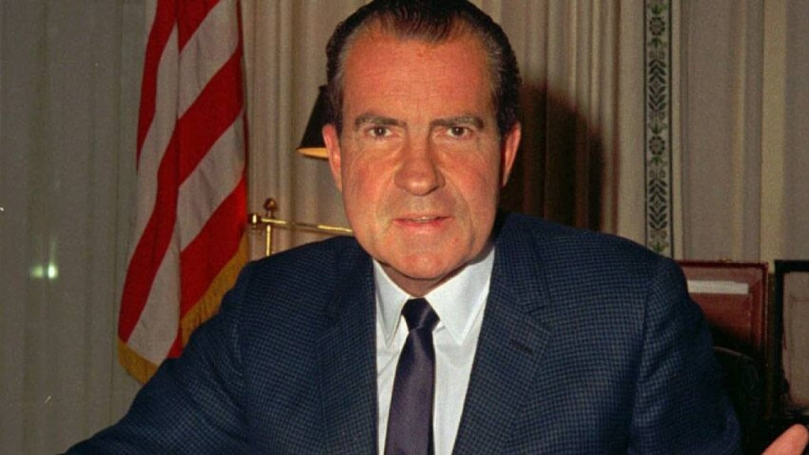 a look at the political career of richard nixon