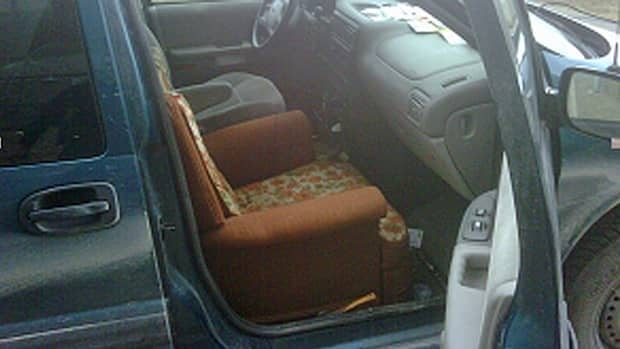 Ontario Provincial Police conducting seatbelt checks on Wednesday stopped a driver who had substituted his passenger seat with a living room-style rocker-recliner.