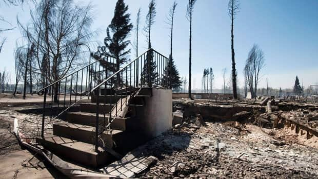 All that remains of this Slave Lake home is a set of steps. (Ian Jackson/Canadian Press)