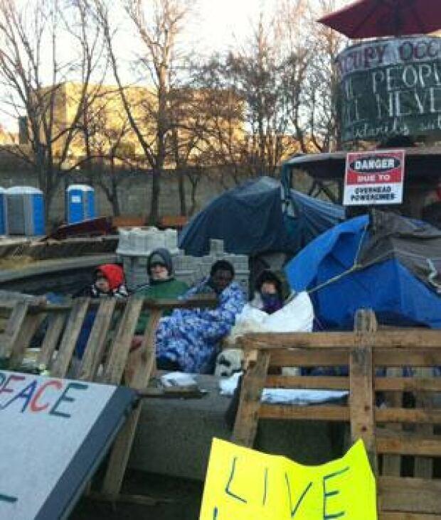 mi-occupy-ottawa300