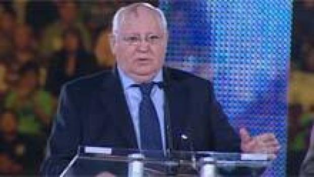 mi-bc-111013-gorbachev