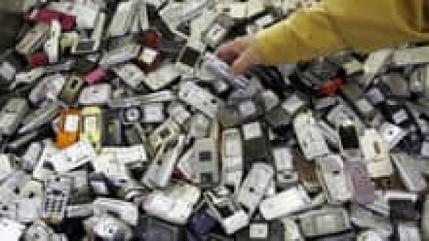 si-recycled-cellphones-220r
