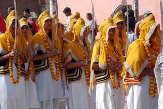 sikh-women-rtr1awvm