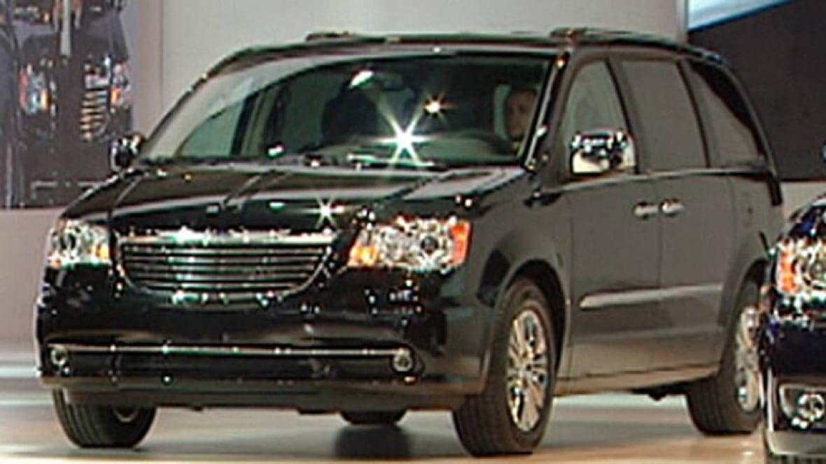 chrysler recalls minivans over ignition issue windsor cbc news. Black Bedroom Furniture Sets. Home Design Ideas
