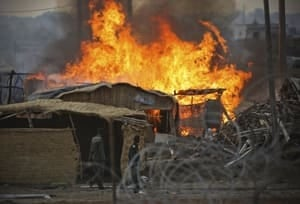 si-abyei-huts-fire-300
