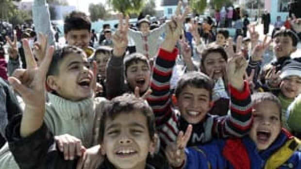 si-syrian-children-rtr2upe9