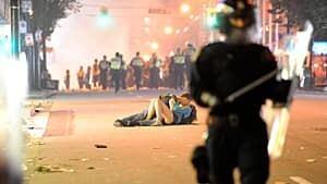 vancouver-riots-300