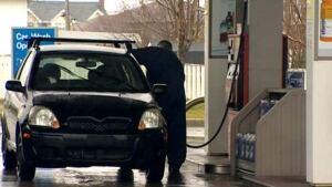 li-gas-pump-20101118
