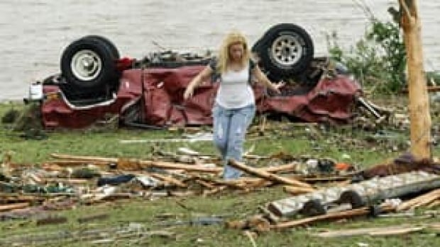 mi-tornado-oklahoma-300
