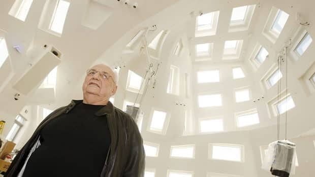 Architect Frank Gehry is designing a warming hut along the Forks skating trail in Winnipeg this winter.