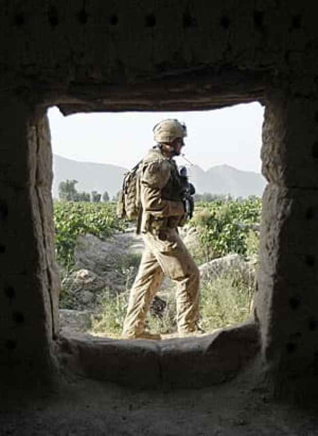 afghanistan-300-rtr2o38w