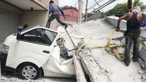 Philippines earthquake car crushed