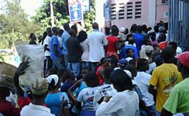 haiti-election-line