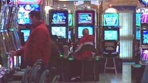 bc-100519-casino-players