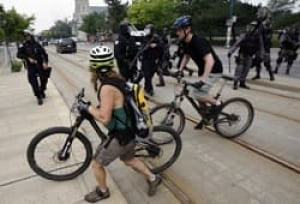g20-bike-cop-cp-062710