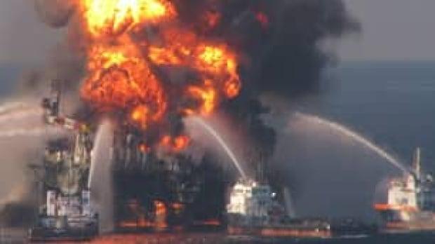 tp-deepwater-horizon-fire-cp-8544215